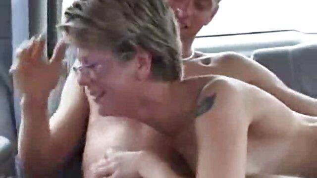 Busty gà con Mary masturbates xxx sex hoc sinh cô ấy âm đạo sau phỏng vấn